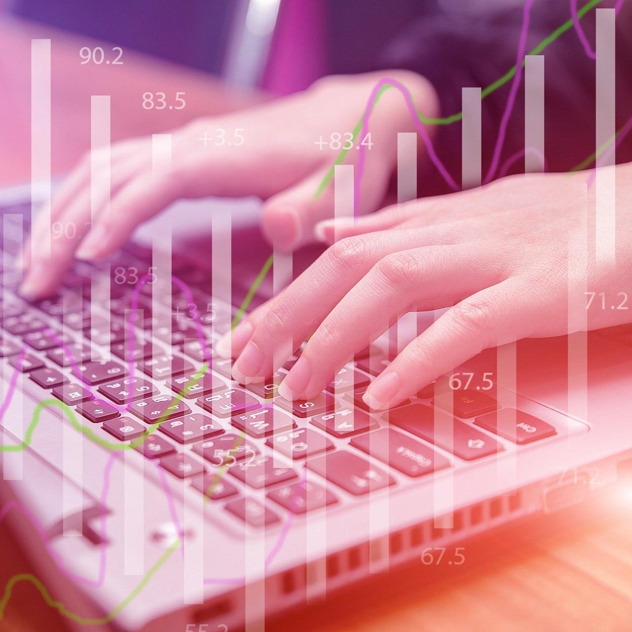 Illustration représentant des mains tapant sur un clavier d'ordinateur.