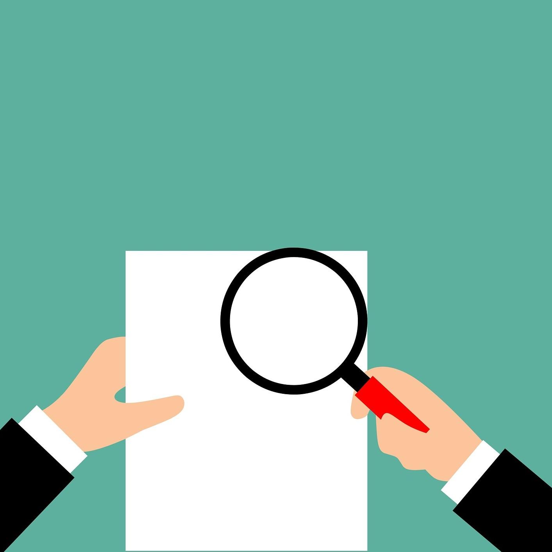 Illustration représentant un individu observant une feuille à la loupe